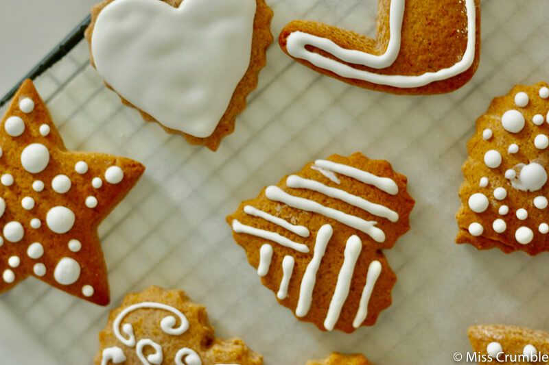 Decoration Biscuit Noel.Recipe For Small Decorated Alsatian Gingerbread Biscuits