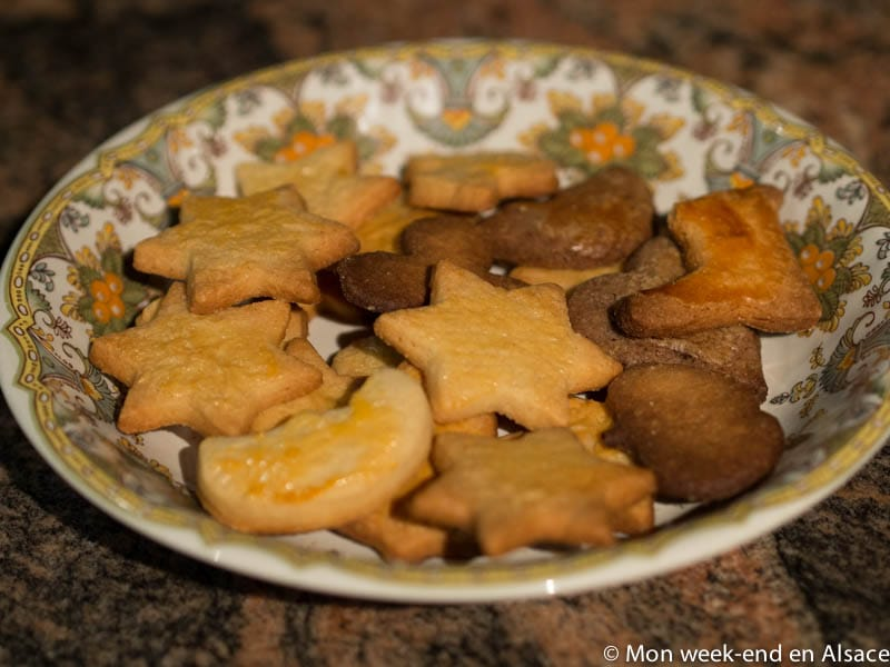 8 recipes of Christmas Bredele (small Alsatian cookies)
